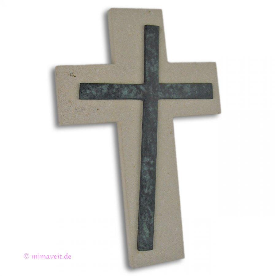 Schmuckkreuz aus Jura Marmor mit asymmetrischem Bronzekreuz